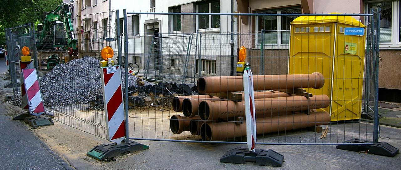 Kleine Baustelle im Tiefbau (Kanalsanierung)